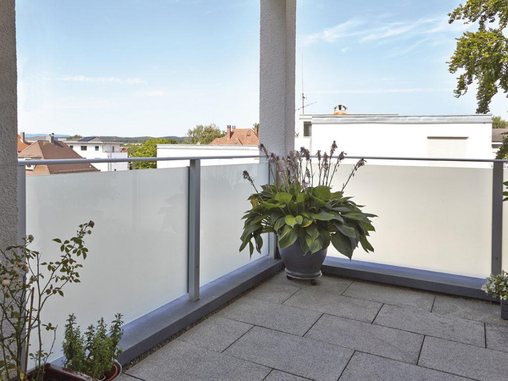glaswanden voor uw balkon zon wonen wijk bij duurstede. Black Bedroom Furniture Sets. Home Design Ideas